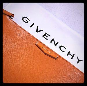 Givenchy Antigona clutch orange